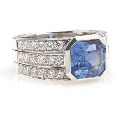 Witgouden bandring diamant en saffier schuin