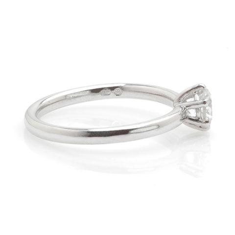 Witgouden solitair diamant 0,53ct zij