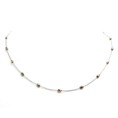 Fijn platina collier met bruine diamant voor
