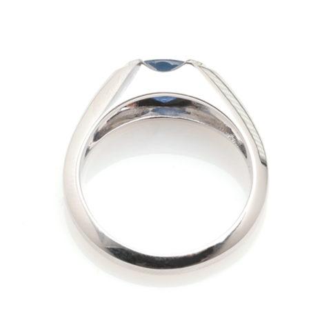 Witgouden ring saffier boven