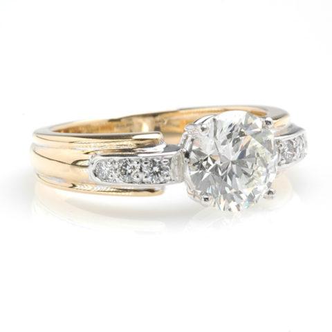 Luxe solitair diamant schuin