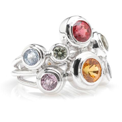 Witgouden ring multicolor saffier schuin