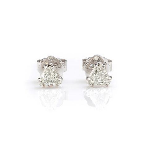 Solitair oorstekers triangle diamant voor
